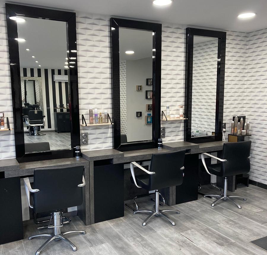Intérieur du salon de coiffure à Abscon